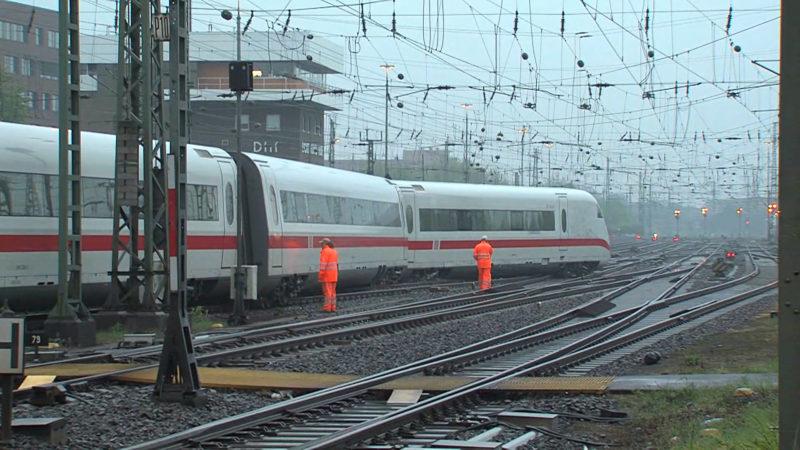 Aktuelle Informationen zum Bahnverkehr nach ICE-Unfall (Foto: SAT.1 NRW)