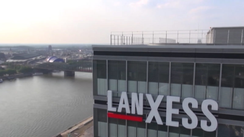 Warren Buffett steigt bei Lanxess ein (Foto: SAT.1 NRW)