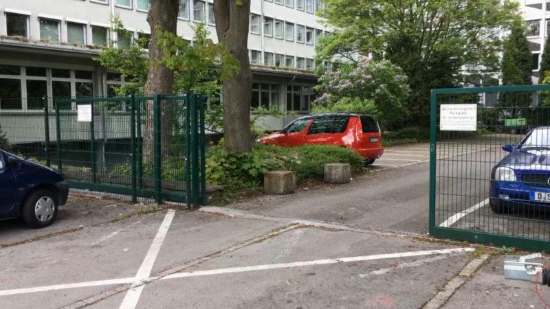 Steuerfahnder-Auto aufgebrochen (Foto: SAT.1 NRW)
