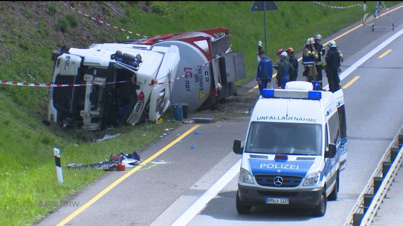 A4 gesperrt: Nach Unfall eines Gefahrguttransporters (Foto: SAT.1 NRW)