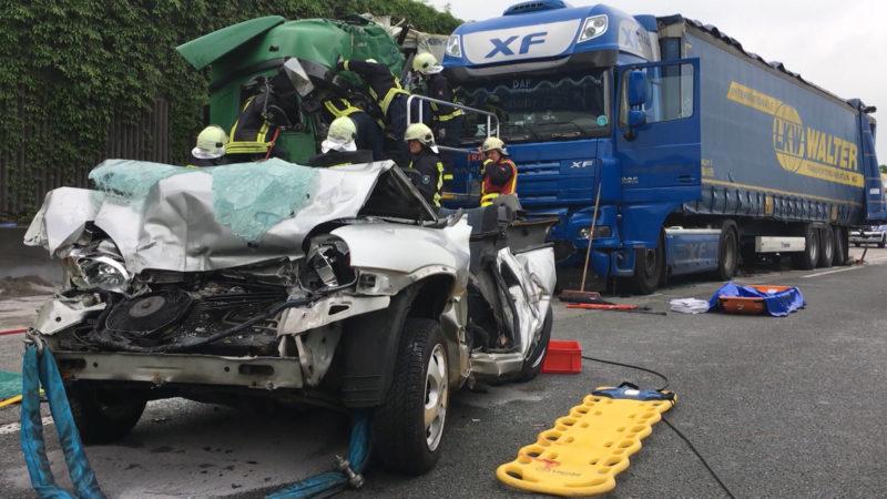 Schwerer Unfall auf der A2 (Foto: SAT.1 NRW)