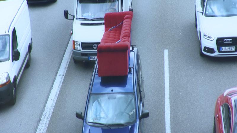 Das rote Sofa (Foto: SAT.1 NRW)
