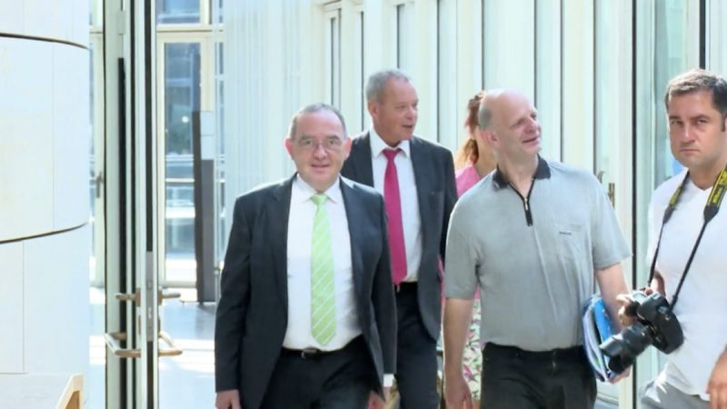 Kassensturz im Landtag (Foto: SAT.1 NRW)