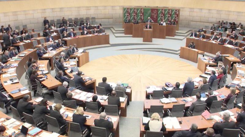 Politische Selbstgespräche im Landtag (Foto: SAT.1 NRW)
