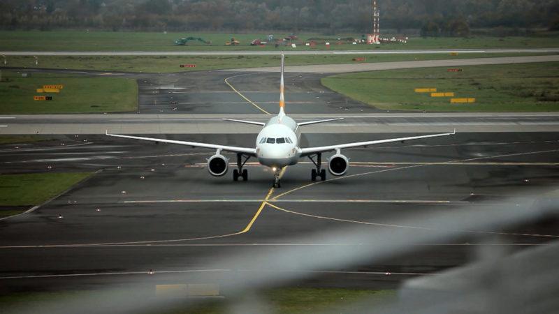Flug hat 53 Stunden Verspätung (Foto: SAT.1 NRW)