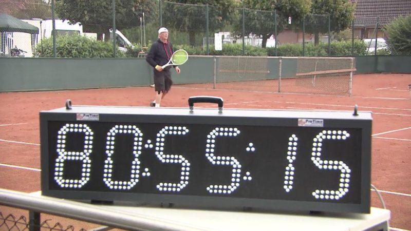 Weltrekord im Tennisspielen (Foto: SAT.1 NRW)