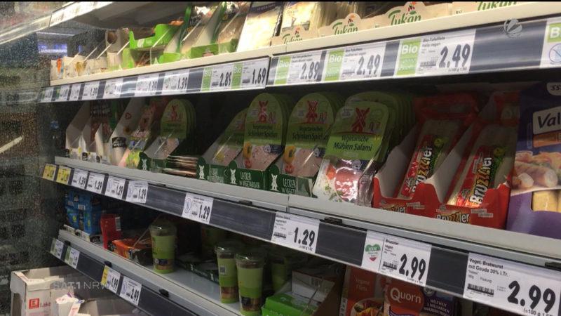 Vegane Produkte aus dem Discounter (Foto: SAT.1 NRW)
