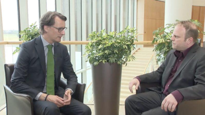 NRW-Verkehrsminister im Interview (Foto: SAT.1 NRW)