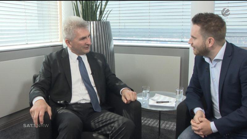 Interview mit dem NRW-Wirtschaftsminister (Foto: SAT.1 NRW)