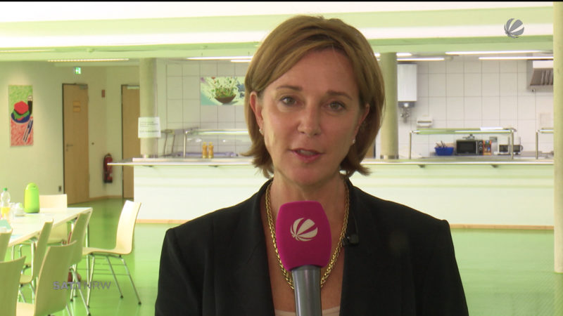 Interview mit Schulministerin Yvonne Gebauer (Foto: SAT.1 NRW)