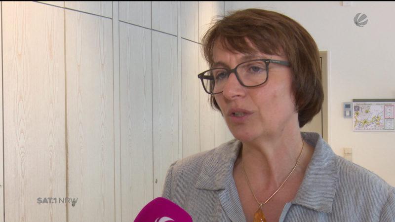 Grünen Faktionschefin kritisiert schwarz/gelb (Foto: SAT.1 NRW)