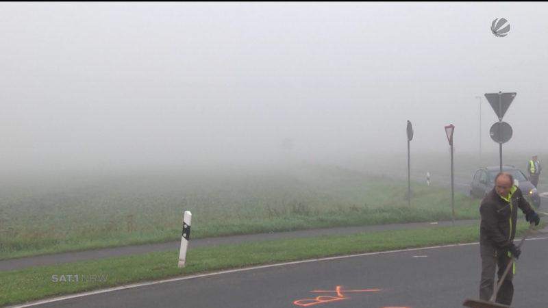 Herbstunfall im Nebel (Foto: SAT.1 NRW)