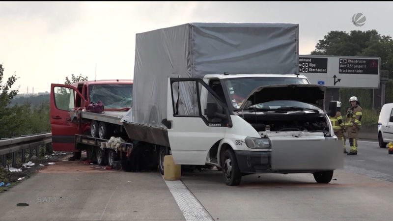 Unfall nach Panne auf der A4 (Foto: SAT.1 NRW)
