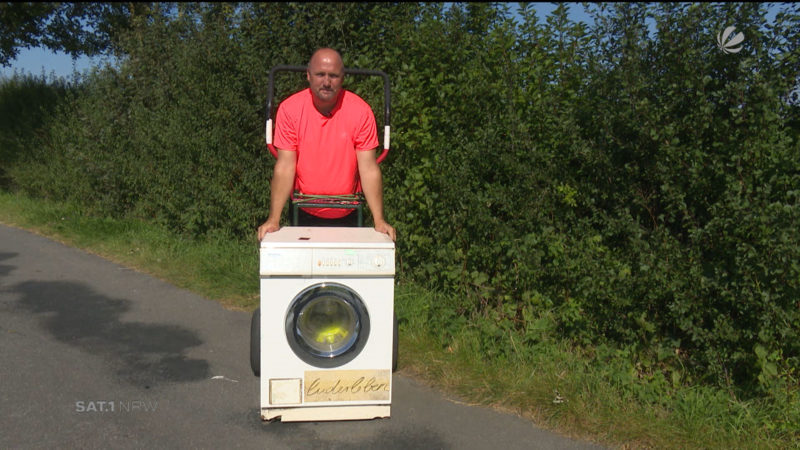 Wander-Waschmaschine auf Tour (Foto: SAT.1 NRW)