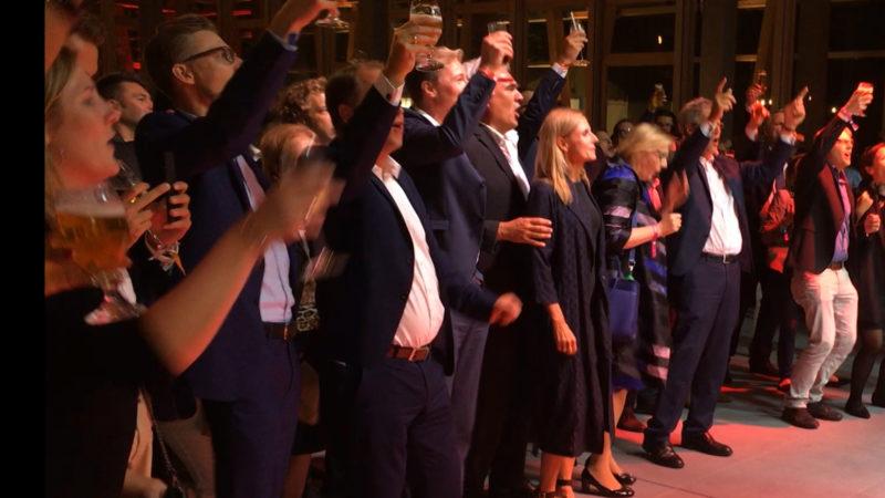 NRW-Politiker feiern in Berlin (Foto: SAT.1 NRW)