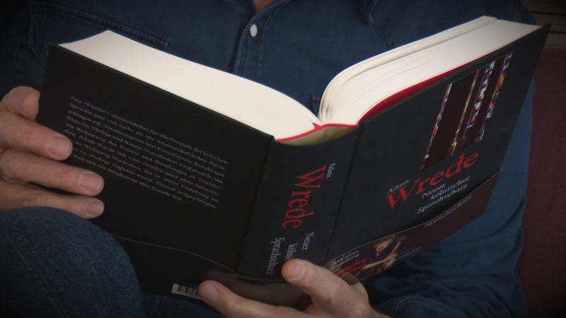 Kölsche Bibel (Foto: SAT.1 NRW)