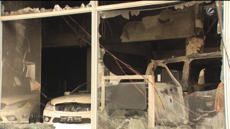 Zwei Millionen Euro Schaden nach Feuer in Autohaus (Foto: SAT.1 NRW)