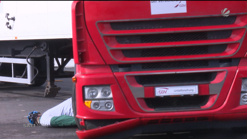 So gefährlich sind Unfälle mit LKW (Foto: SAT.1 NRW)