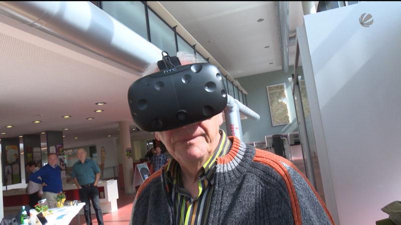 Mit Virtual-Reality-Brille zurück in die Vergangenheit (Foto: SAT.1 NRW)