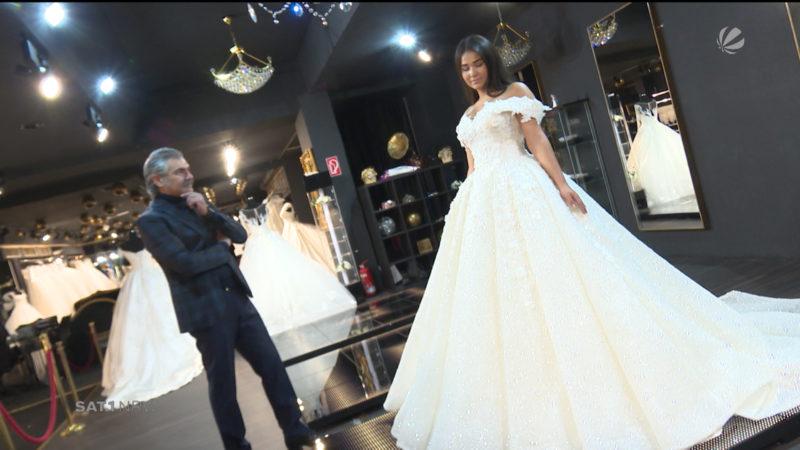 Brautmodengeschäft bereitet sich auf Besuch des Bundespräsidenten vor (Foto: SAT.1 NRW)