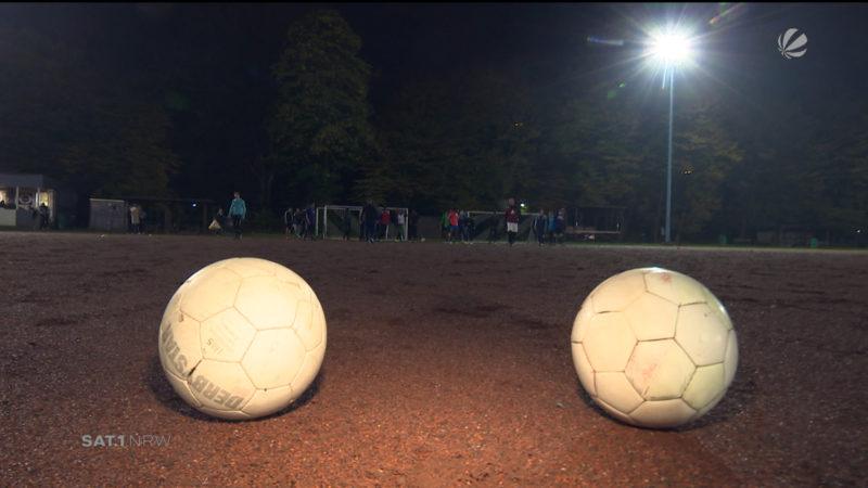 Verein kämpft um Fussballplatz (Foto: SAT.1 NRW)