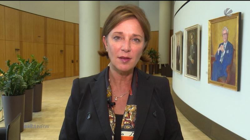 NRW-Schulministerin zu G9-Rückkehr (Foto: SAT.1 NRW)