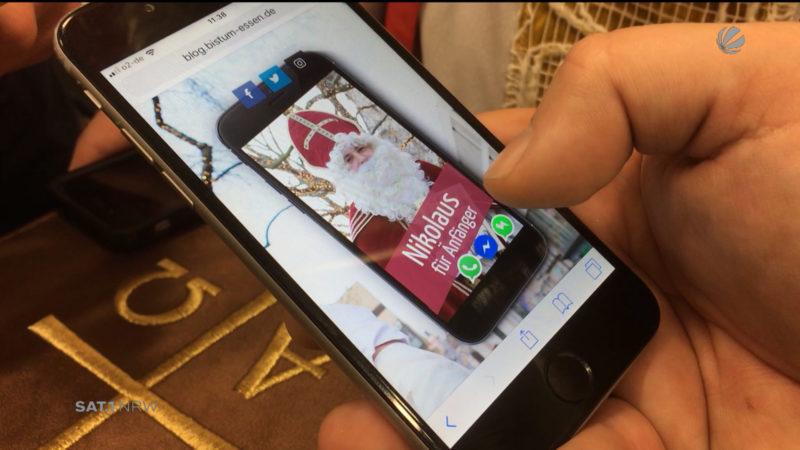 Bistum Essen: Ein Nikolaus mit Smartphone (Foto: SAT.1 NRW)
