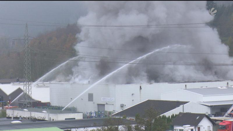 Feuer in Fabrik in Werdohl (Foto: SAT.1 NRW)