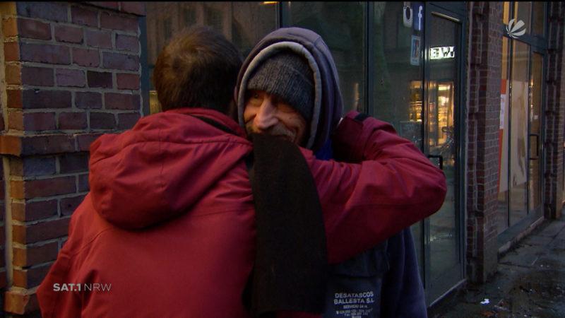 Obdachloser wieder mit Familie vereint (Foto: SAT.1 NRW)