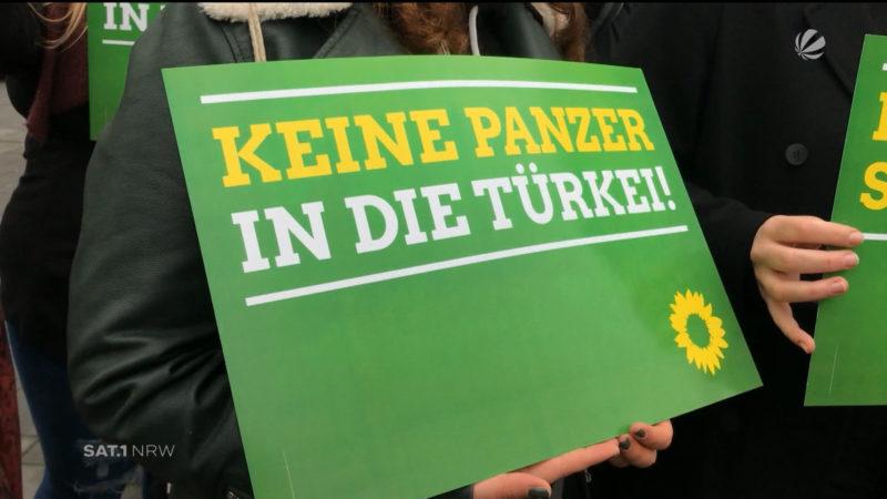 Demo gegen deutsche Panzer in der Türkei (Foto: SAT.1 NRW)