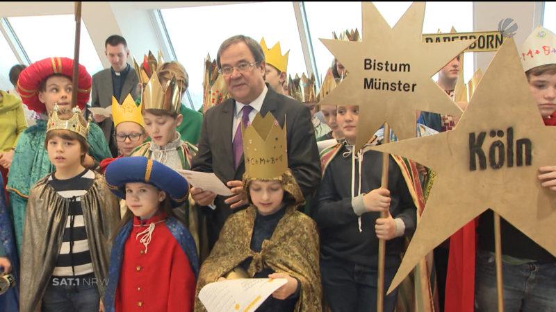 Sternsinger bei NRW-Ministerpräsident (Foto: SAT.1 NRW)