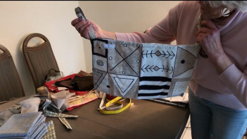 Seniorin näht diebstahlsichere Rollator-Taschen (Foto: SAT.1 NRW)