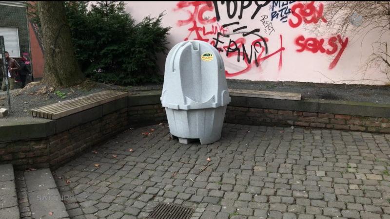 Mobile Pissoirs gegen Wildpinkler (Foto: SAT.1 NRW)