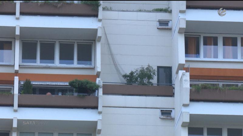 Hannibal-Mieter klagen auf Zugang zu Wohnungen (Foto: SAT.1 NRW)