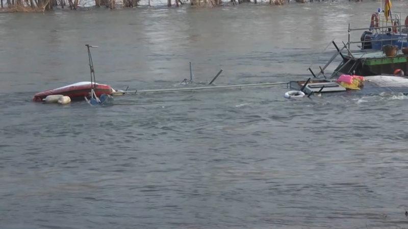 Hausboot gesunken (Foto: SAT.1 NRW)