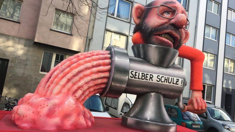 Die Jecken und die Politik (Foto: SAT.1 NRW)