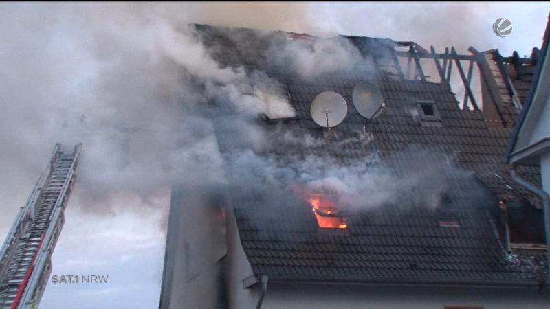 Gelsenkirchen: Feuer in Mehrfamilienhaus (Foto: SAT.1 NRW)