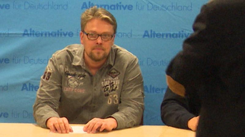 Umfrage: AfD-Mann kauft Kältebus für Obdachlose (Foto: SAT.1 NRW)