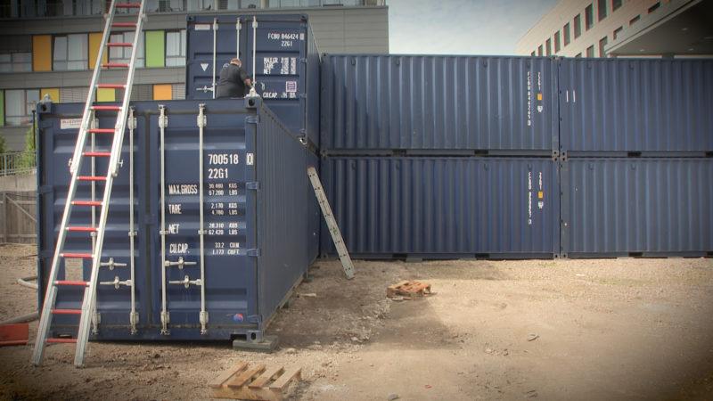 Kirche aus Containern (Foto: SAT.1 NRW)