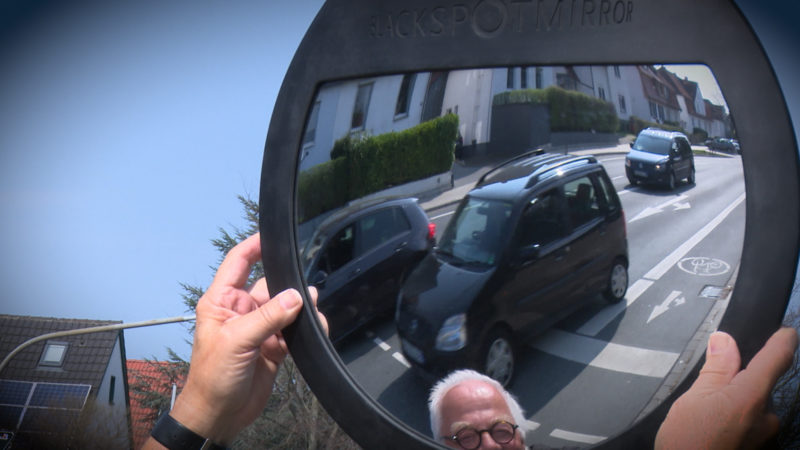 Spiegel für LKW (Foto: SAT.1 NRW)