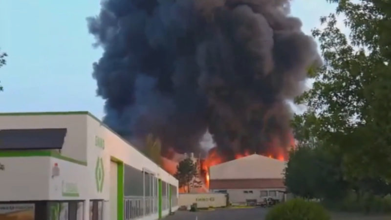 Industriepark in Flammen (Foto: SAT.1 NRW)