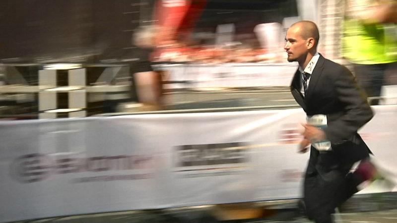 Der schnellste Anzugträger (Foto: SAT.1 NRW)