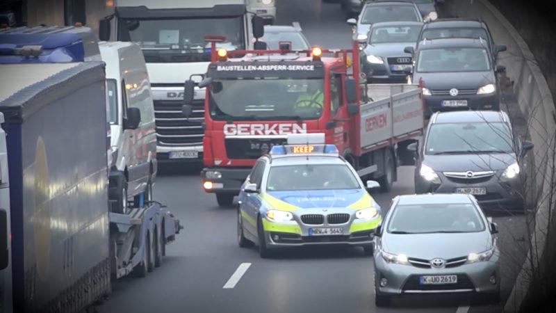 Keine Rettungsgasse gebildet (Foto: SAT.1 NRW)