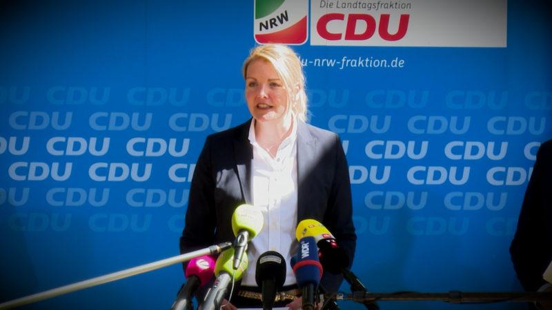 ARMIN LASCHET ZUM RÜCKTRITT VON CHRISTINA SCHULZE FÖCKING (Foto: SAT.1 NRW)