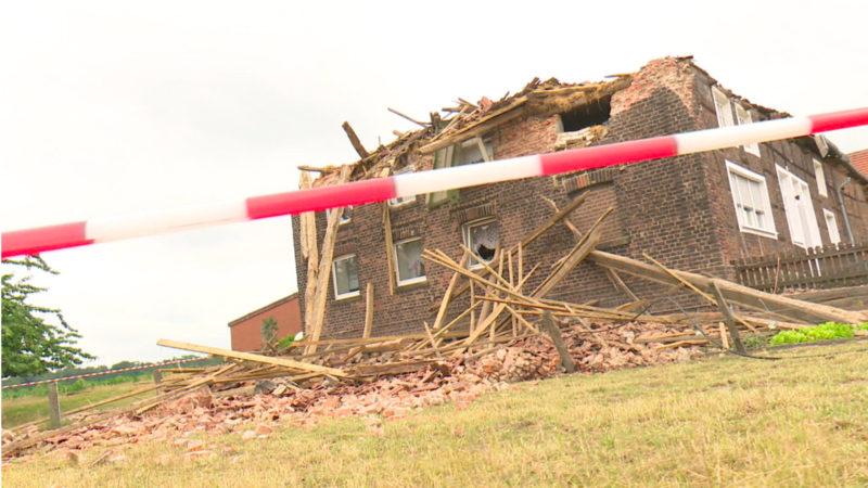 Bauernhaus eingestürzt (Foto: SAT.1 NRW)