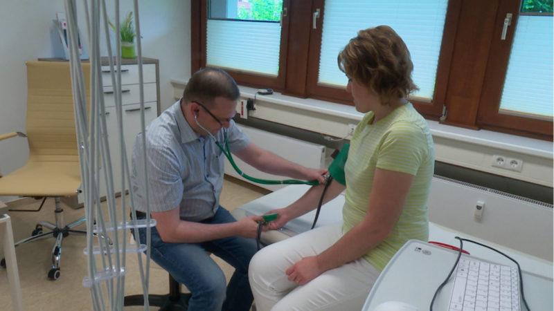 Gebühren für versäumte Arzttermine (Foto: SAT.1 NRW)