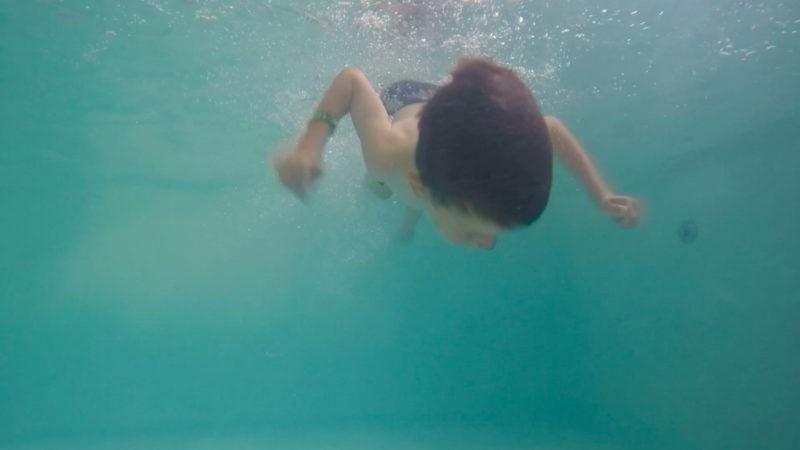 Kinder lernen Schwimmen (Foto: SAT.1 NRW)