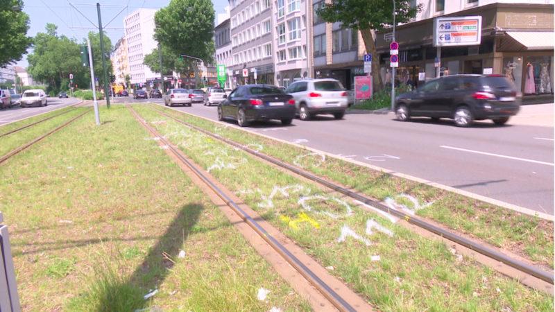Frau stirbt bei Straßenbahnunfall (Foto: SAT.1 NRW)