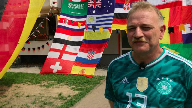 WM-Fan schmückt sein Haus in Duisburg (Foto: SAT.1 NRW)