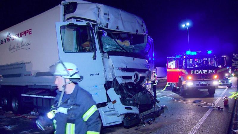 Schwerer Unfall auf der A1 (Foto: SAT.1 NRW)